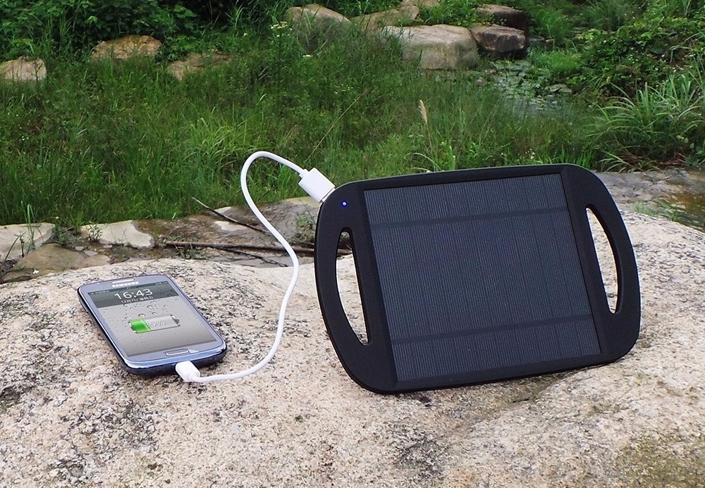 вывод зарядка для телефона на солнечных батареях фото сообщил, что